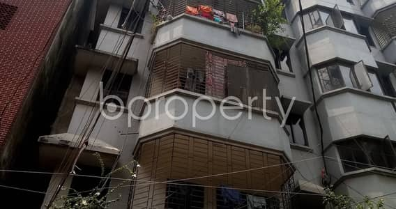 3 Bedroom Apartment for Rent in Kalabagan, Dhaka - In The Location Of North Dhanmondi Road, 1250 Sq. Ft -3 Bedroom Apartment Is Up To Rent.