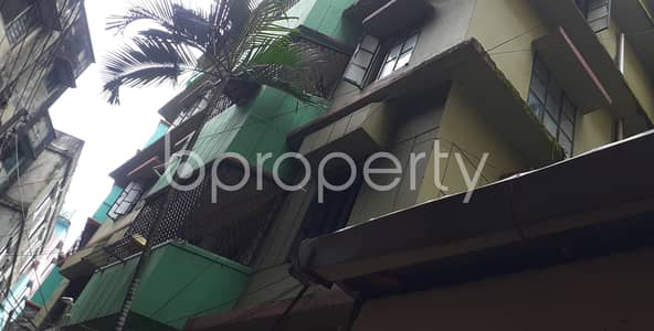 2 Bedroom Flat for Rent in 22 No. Enayet Bazaar Ward, Chattogram - Ready convenient flat of 900 SQ FT is up for rent in 22 No. Enayet Bazaar Ward