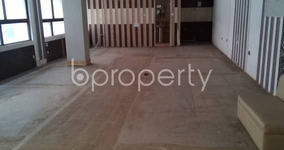 Floor for Rent in Tejgaon, Dhaka - This Commercial Floor In Kawran Bazar Road Is Up For Rent With An Area Of 1100 Sq. ft