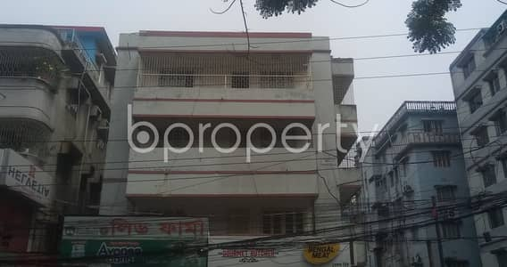 Office for Rent in Mohammadpur, Dhaka - Renting This Commercial Area Of 1300 Sq Ft Provides You A Vision For Your Company's Dynamic Economic Growth