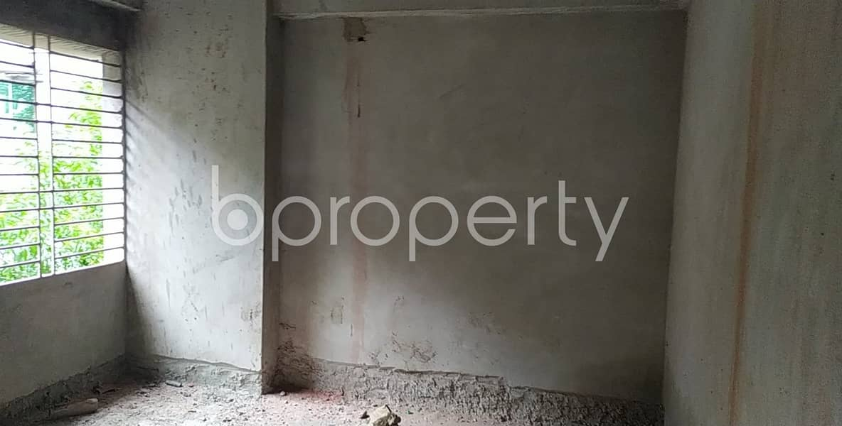 Offering you 1440 SQ FT flat for sale in Bayazid