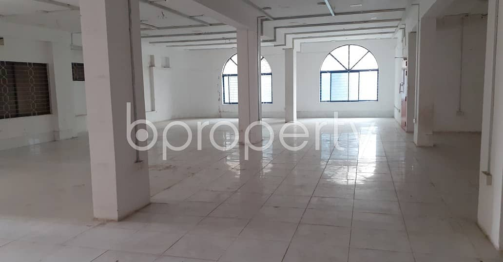 A Commercial Office Is Available For Rent In Gulshan 2 Nearby Shahabuddin Medical College And Hospital.