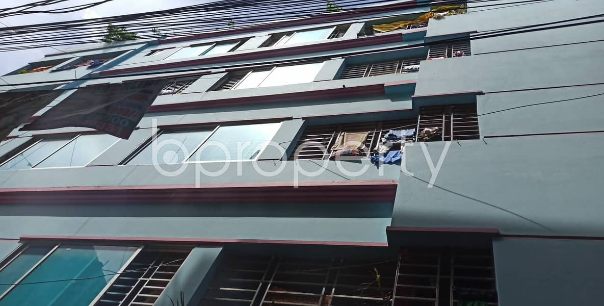 An Adequate 900 Sq Ft Residential Apartment Is Up For Rent In The Center Of Kazir Dewri Next To Kazi Bari Zamee Masjid.