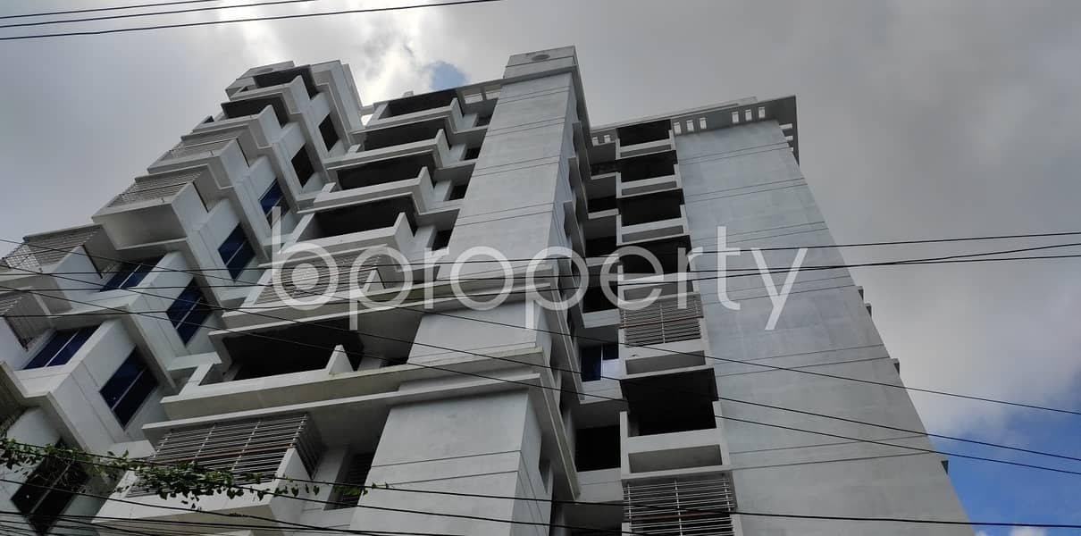 Buy This Decent 1630 Sq Ft Ready Flat In Bayazid, Polytechnic