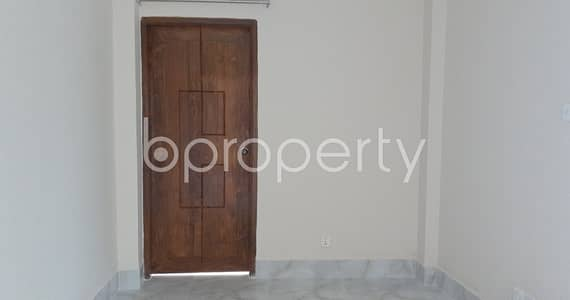 3 Bedroom Flat for Sale in Kachukhet, Dhaka - Grow Your Home In This 950 Sq Ft Apartment At Kachukhet Mingled With Your Interest In This Bustling City.