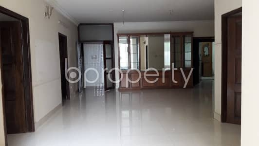 4 Bedroom Flat for Rent in Banani DOHS, Dhaka - Excellent Flat Of 2600 Sq Ft Is All Set For Rent In The Fine Location Of Banani DOHS