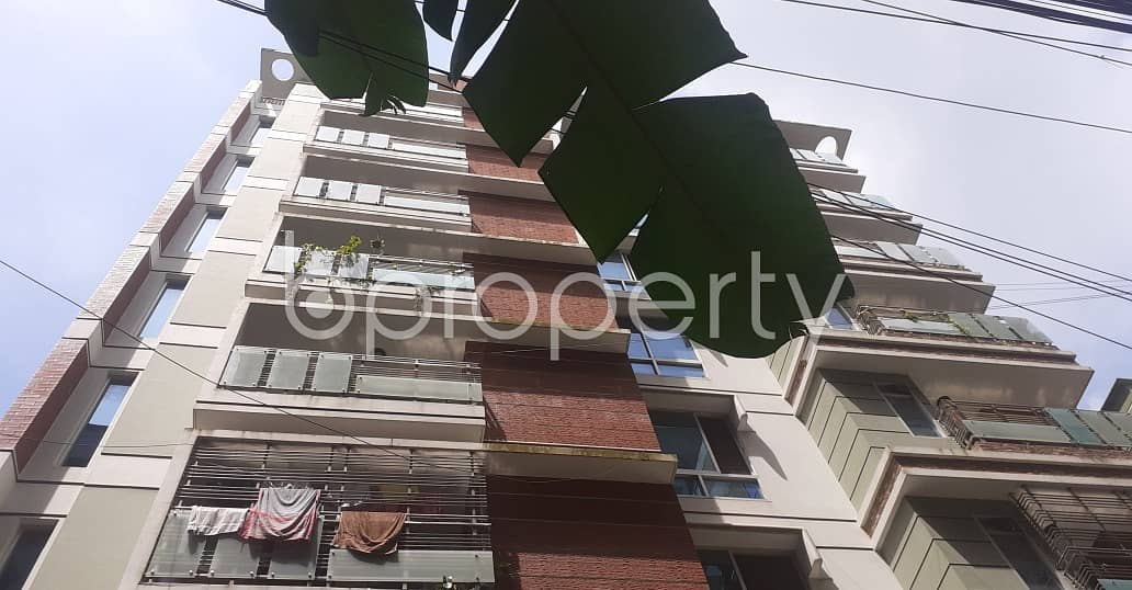 A well sized 1400 SQ FT residential flat is available for rent at Khulshi