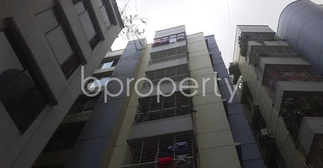 This 2000 Square Feet And 3 Bedroom Flat In South Khulshi With A Convenient Price Is Up For Rent