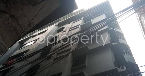 বিক্রয়ের জন্য BAYUT_ONLYএর ফ্ল্যাট - হাজারিবাগ, ঢাকা - In An Urban Location This 1900 Sq. Ft Home Is Vacant For Sale Next To Zarina Shikder Girls' School & College.