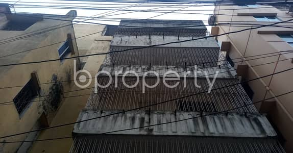 Office for Rent in Mirpur, Dhaka - Obtain A Great Office Space In The Busiest Location Of Mirpur As A 1200 Sq. Ft. Office Space Is Ready And Vacant For Rent.