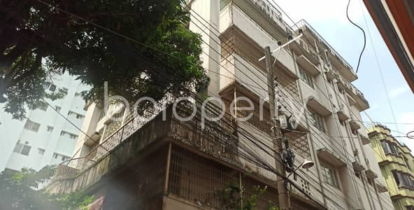 2 Bedroom Apartment for Rent in 22 No. Enayet Bazaar Ward, Chattogram - A Smartly Priced 900 Square Feet Apartment Which Is Up For Rent Very Near To Love Lane Tablig Masjid Complex.