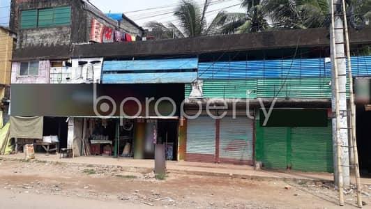 ভাড়ার জন্য এর দোকান - হালিশহর, চিটাগাং - 100 Square Feet Shop Is Up For Rent At Monnya Para Road, 26 No. North Halishahar Ward