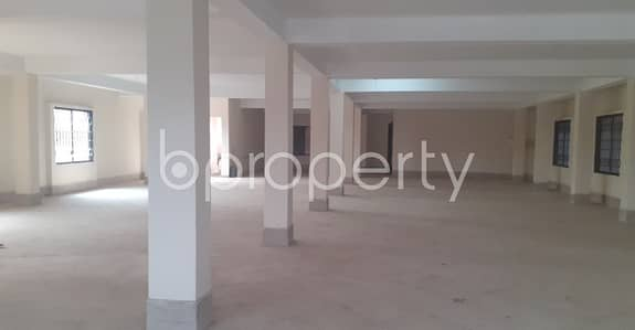 Floor for Rent in 30 No. East Madarbari Ward, Chattogram - Deal With Your Business in 3300 Sq Ft Office with a Convenient To Rent in Madarbari Area Near To One Bank ATM