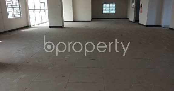 ভাড়ার জন্য এর ফ্লোর - কুড়িল, ঢাকা - A 4000 Square Feet Small Size Commercial Floor For Rent At Pragati Soroni.