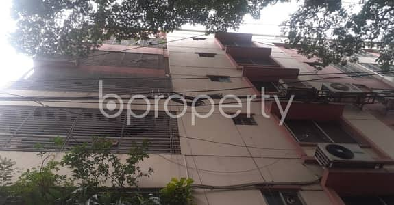 3 Bedroom Apartment for Rent in Dhanmondi, Dhaka - Get Ready For Your Countless Peaceful Days By Renting This 2250 Sq Ft Flat At Dhanmondi Close To Junior Laboratory High School