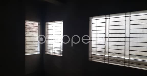 Apartment for Sale in Bangshal, Dhaka - 537 Sq. Ft. Office Is Vacant For Sale In Bangshal
