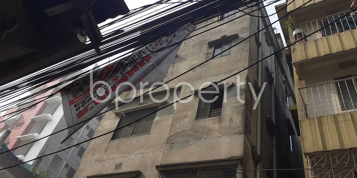 A Shop Is Up For Rent In Hazaribag Near Rayer Bazar High School