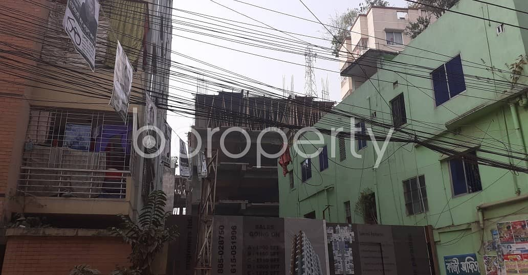 In The Location Of Dhanmondi, Close To Mitali Road Jame Masjid, A Flat Is Up For Sale