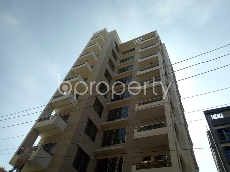 Nice 1886 SQ FT flat is available for sale in Bashundhara R-A close to Apollo Hospitals