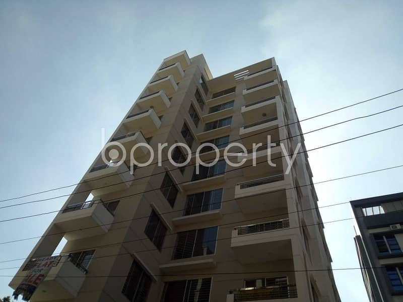 1886 Square Feet Apartment Is For Sale In Bashundhara R-A Near Apollo Hospitals.