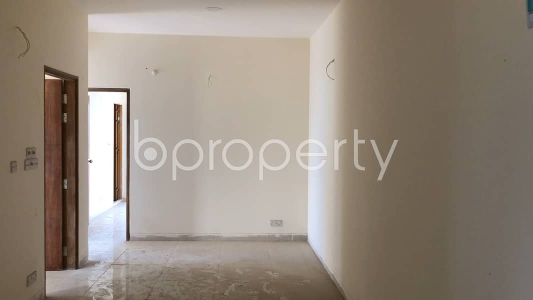 Convenient Apartment Is Up For Sale In Aftab Nagar, Nearby Banasree Central Jame Mosque