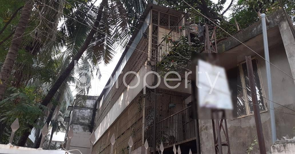 See This Office Space For Rent Located In Dhanmondi Near To Dhanmondi Eidgah Masjid.