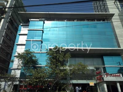 Apartment for Rent in Banani, Dhaka - Spacious 11000 Sq Ft Commercial Space Located In Banani Vacant For Rent Near Aarong