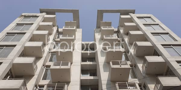 At Bashundhara R-a, Flat For Sale Close To Viquarunnisa Noon School And College