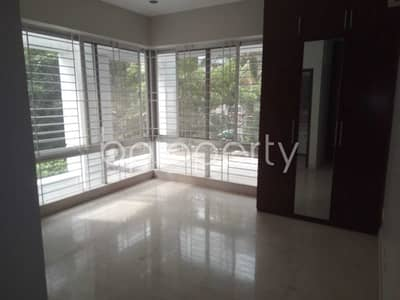 Beautiful And Well-constructed Flat Is Ready For Rent At Baridhara Nearby High Commission Of Malaysia
