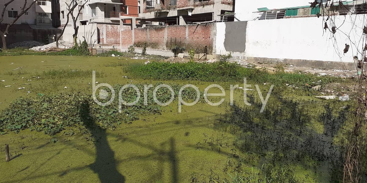 A Residential Plot Is Ready For Sale At Bashundhara R-A, Near Basundhara Residential Area Puja Mondop.