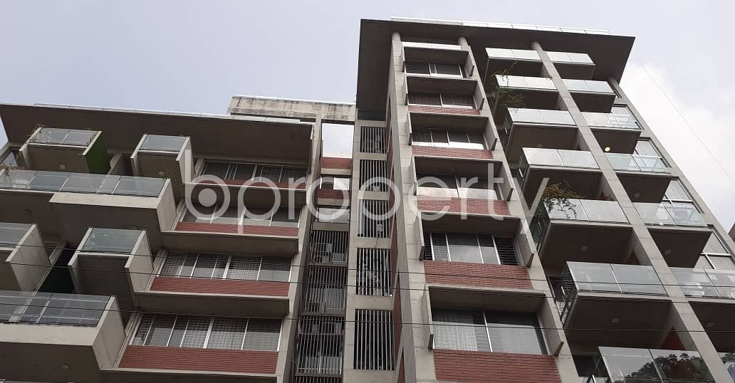 Visit This Apartment For Sale In Dhanmondi Near Mastermind School.