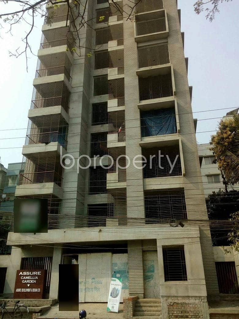 At Uttara A Luxurious Flat Up For Sale Near Islamabad Jame Masjid.
