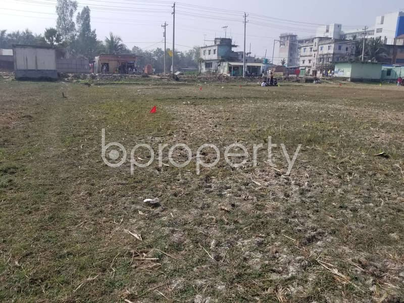 In The Location Of Gazipur, Close To Bangobandhu College A Commercial Plot Is Up For Sale.