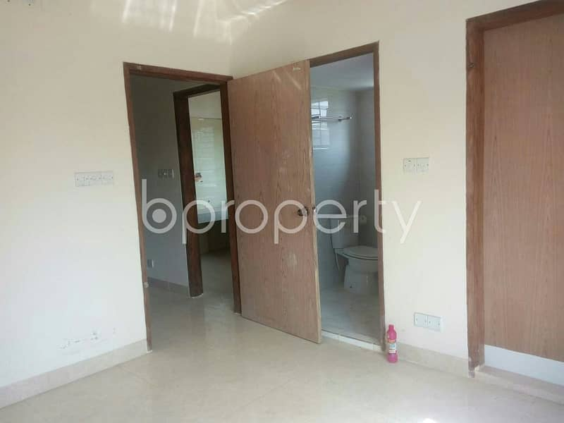 A Flat Is Up For Sale In South Azampur Nearby Mollartek Udayan School And College.