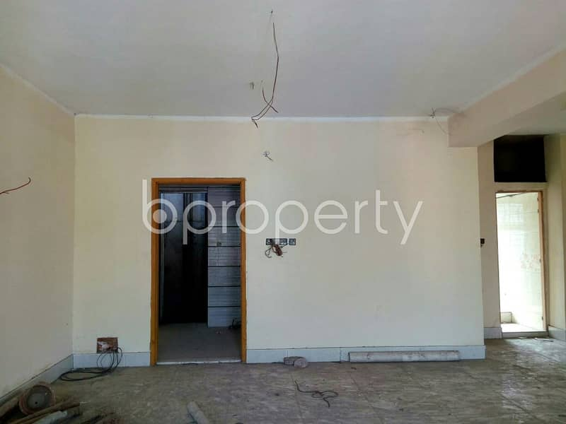 Nearlal Khan Bazar Central Mosque, 1400 Sq Ft Beautiful Flat For Sale In Dampara