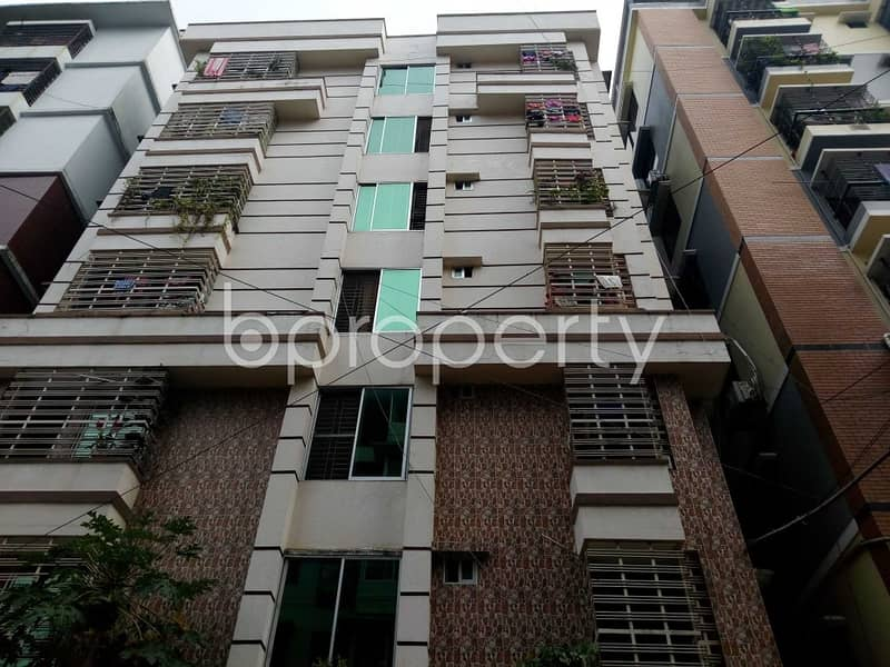 In The Location Of Halishahar Housing Estate , Close To Halishahar H-block Jame Mosjid A 1600 Sq. Ft Flat Is Up For Sale .