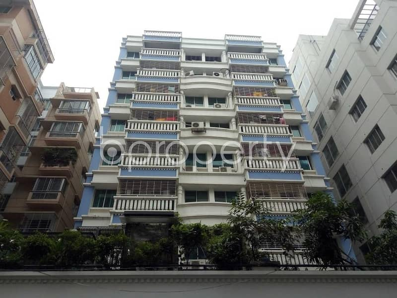 An Apartment Which Is Up For Sale At Bashundhara R-A Near To Sunflower School And College.