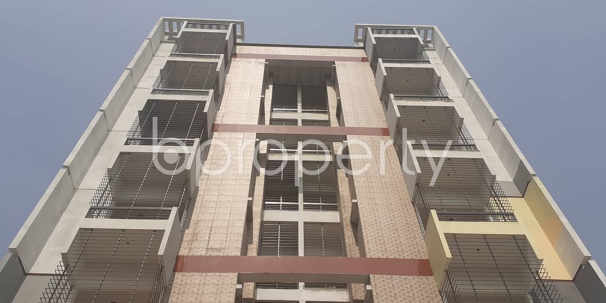 An Apartment Is Ready For Sale At Bashundhara R-a, Near Center For Islamic Economics Madrasa Mosque