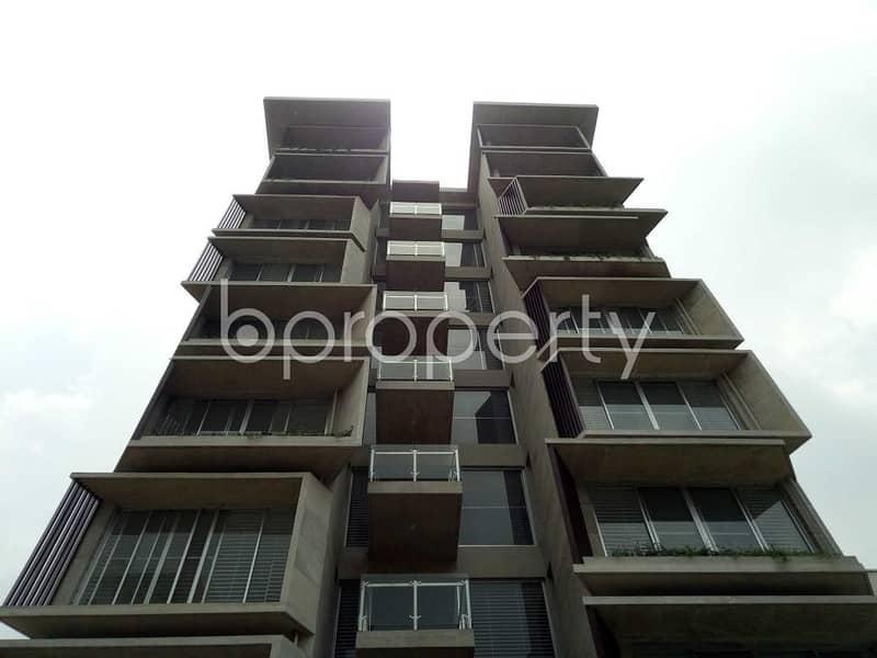 At Bashundhara R-A flat for Sale close to NSU