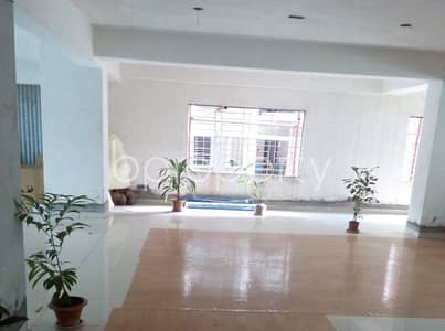 4600 SQ FT commercial flat in Kakrail is up for sale.