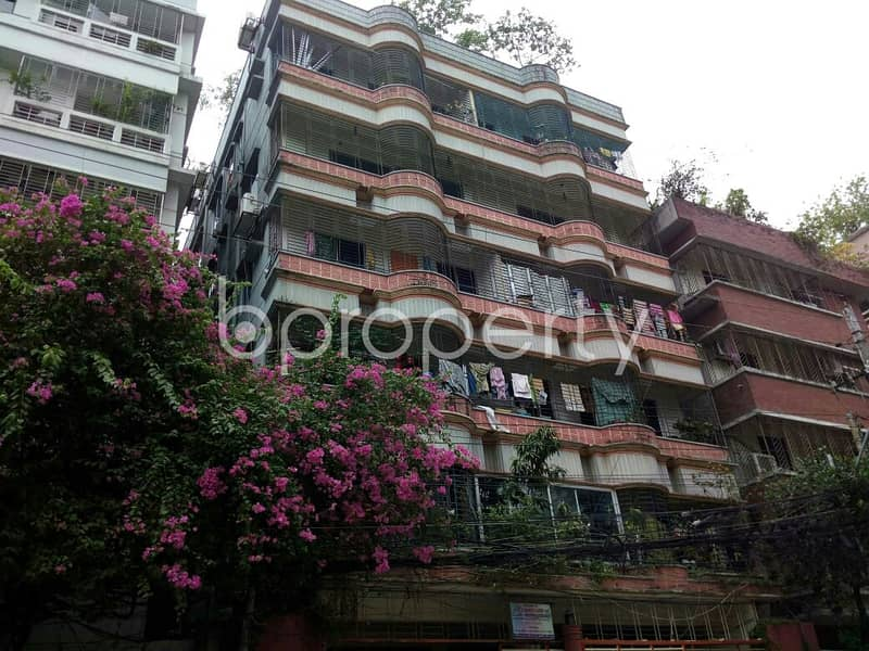 Grab This, Flat Up For Rent In Dhanmondi Near Social Islami Bank Limited