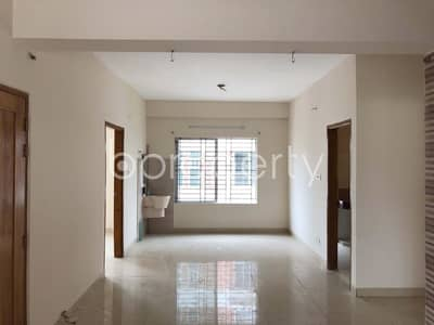 Convenient Apartment available For Sale At Bashundhara R-A Near To Viquarunnisa Noon School And College.