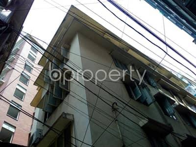 At Dhanmondi flat for Rent close to Jame Masjid