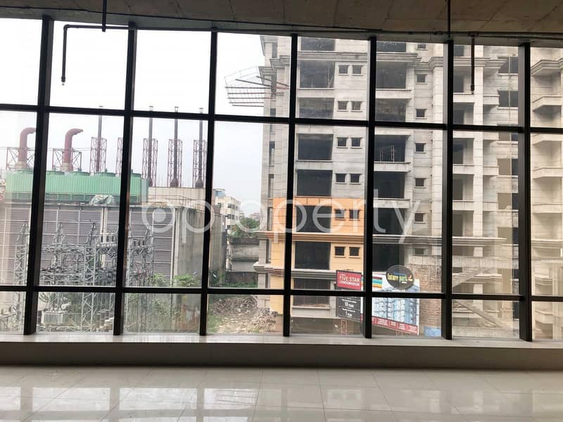 Spacious Commercial Shop For Rent In Bashundhara R-A Near North South University