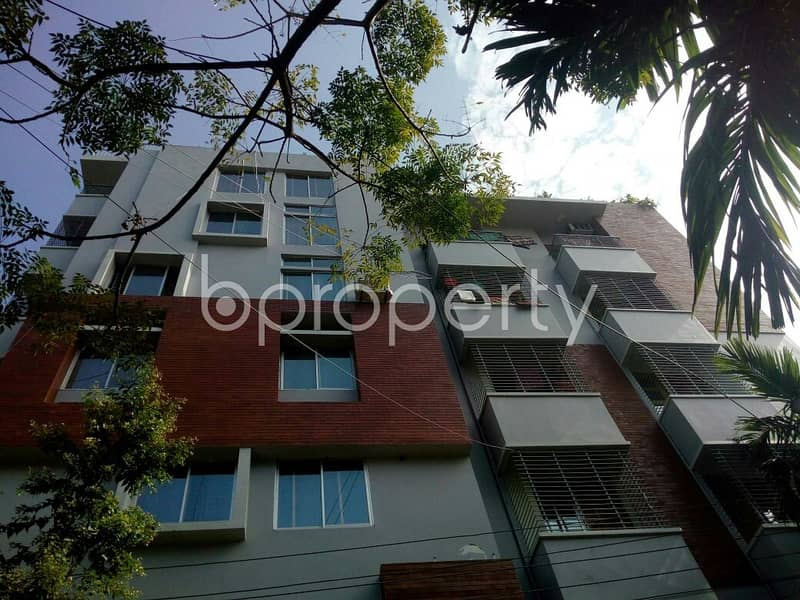 Nice 2000 SQ FT flat is available to Rent in Khulshi close to Radiant School and College