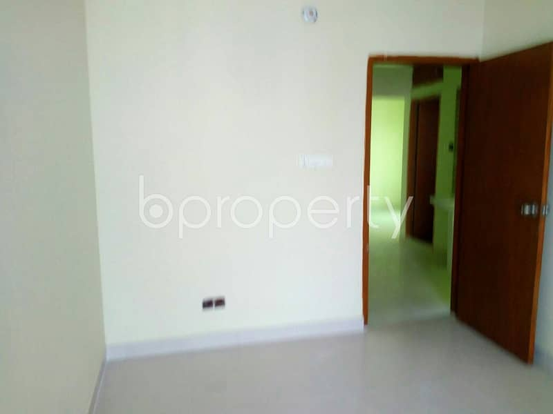 Flat Can Be Found In Masdair For Rent, Near Maddhonagar Jame Mosque