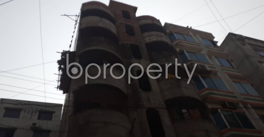 Grab This Flat Up For Rent In Lalmatia Near Adarsha Islami Mission Mohila Kamil Madrasa