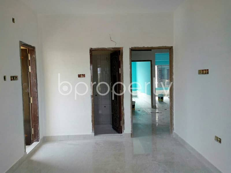 Grab This Flat Up For Sale In Gulbag R/a Near Navidur Rahman Jame Masjid