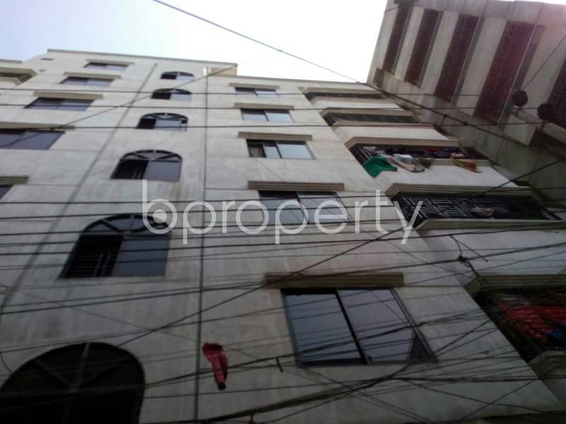 An apartment is up for rent in Fatulla, near North Masdair Jame Mosque