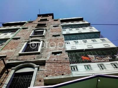 We have this ready apartment at Narayanganj, near Sugondha Baitul Mamur Jamey Masjid up for rent.
